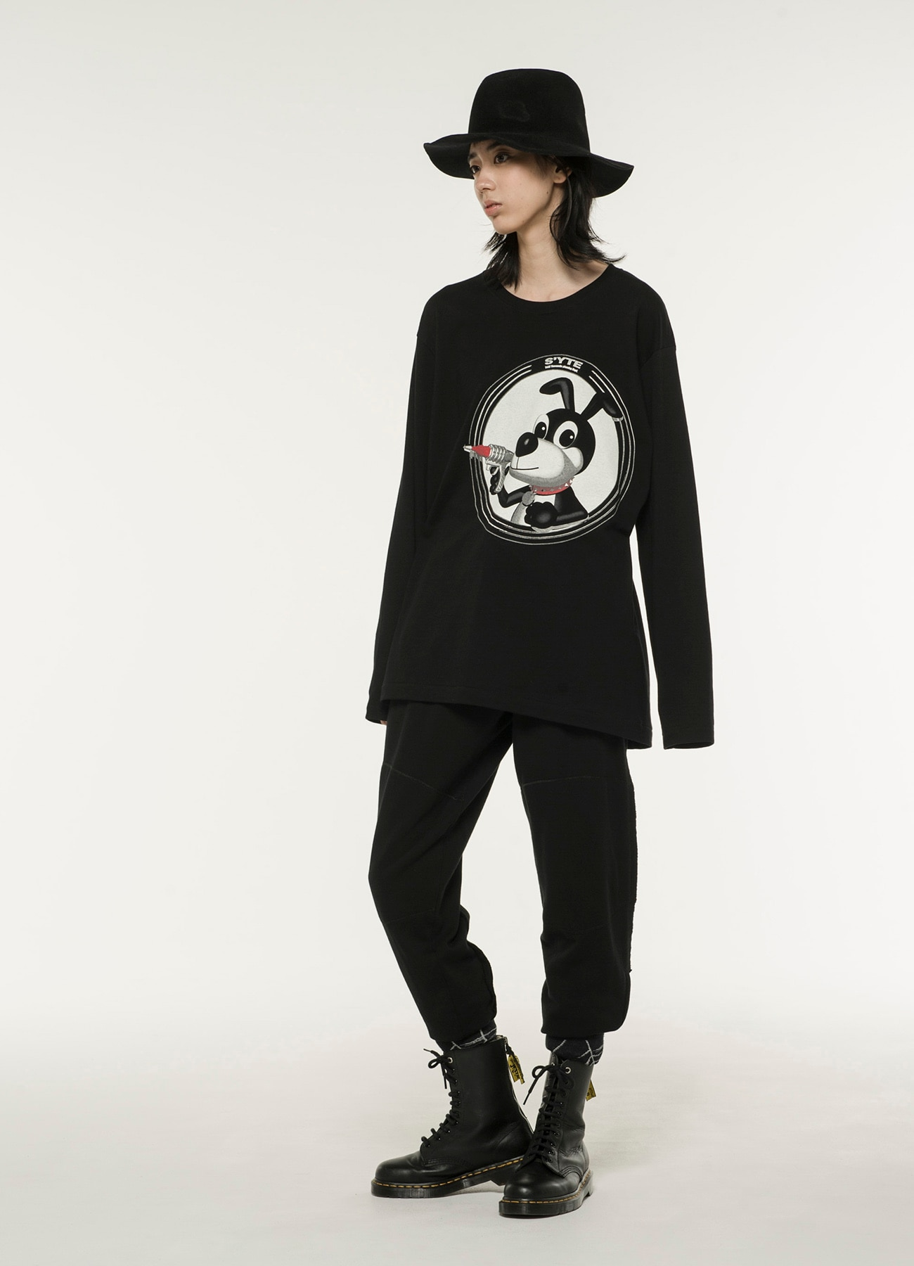 20/CottonJersey Ray Gun of Black Dog Long Sleeve T-Shirt